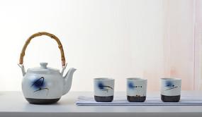 茶具茶壶茶杯一排过