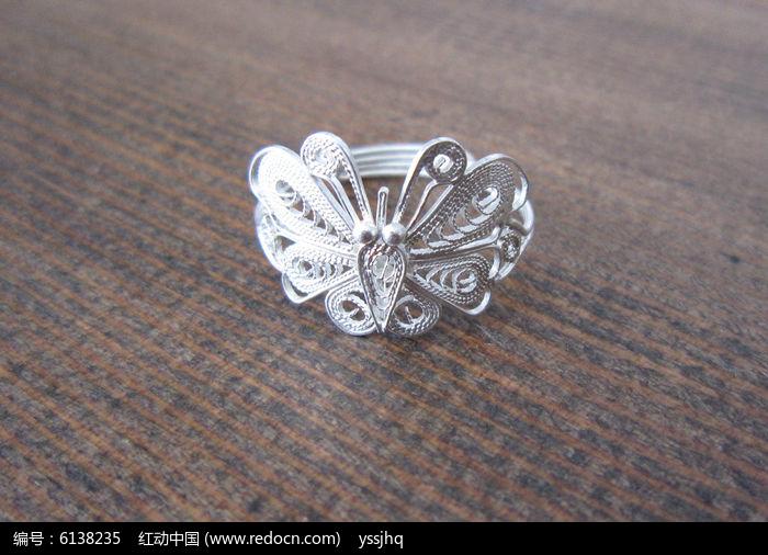 您当前访问图片主题是蝴蝶戒指,编号是6138235, 文件格式是jpg,拍摄