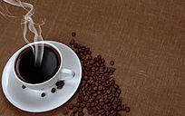 咖啡与咖啡豆俯拍