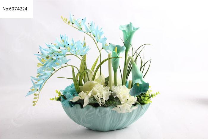 原创摄影图 动物植物 花卉花草 蓝色陶瓷插花桌面绿植摆件