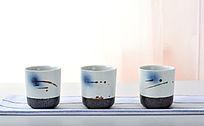 三个一列手绘茶杯