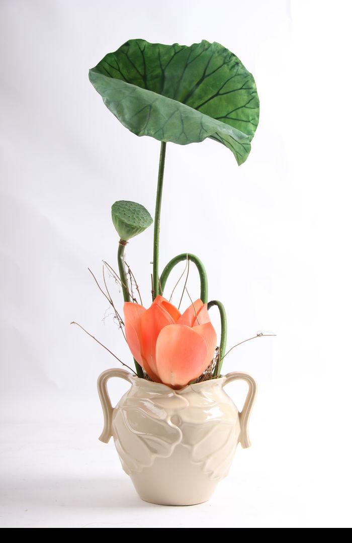 原创摄影图 动物植物 花卉花草 陶瓷罐子插花绿植摆件