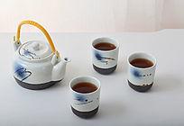 一个茶壶三个茶杯