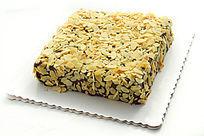 果仁面方形蛋糕