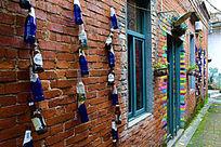 酒瓶装饰的外墙