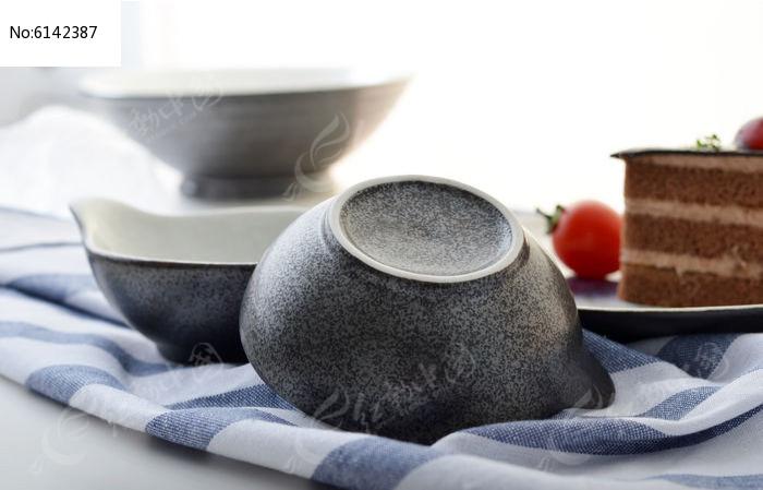 绘系列手绘陶瓷餐具图片