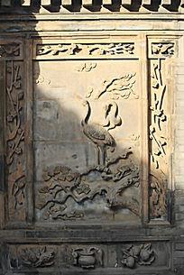 仙鹤苍松砖雕影壁