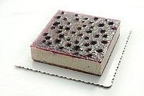 紫色蓝莓蛋糕