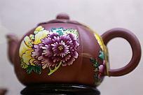 红地花朵图案紫砂壶