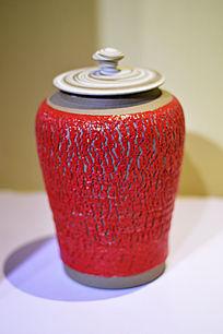 红色色胶釉拉胚纹罐