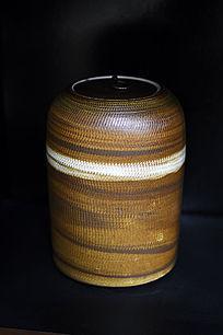 绳纹胶釉带盖罐