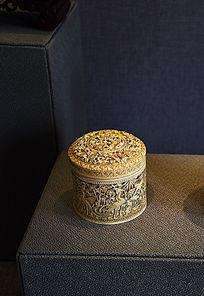牙雕凤穿牡丹图盖盒