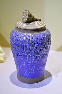 紫色胶釉拉胚纹罐