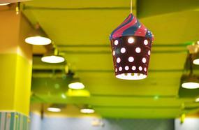 冰淇淋状的小吊灯