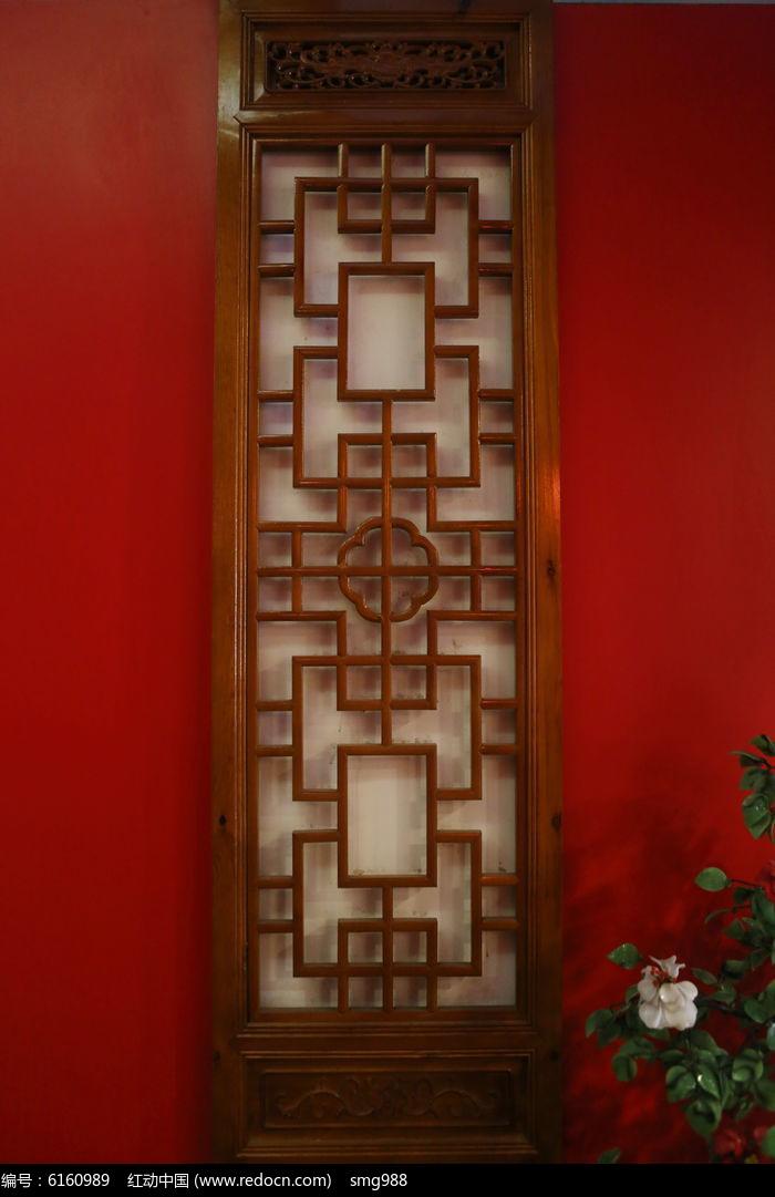 传统中式木雕窗户图片