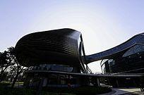 上海凌空SOHO火车头型大楼