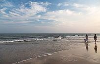 海浪沙滩云卷云舒