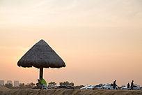 夕阳下的金沙滩