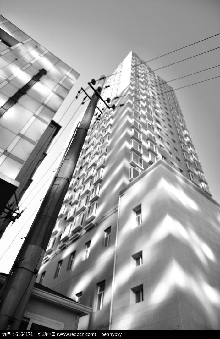 黑白手绘图片高楼