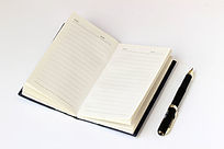 笔记本和钢笔