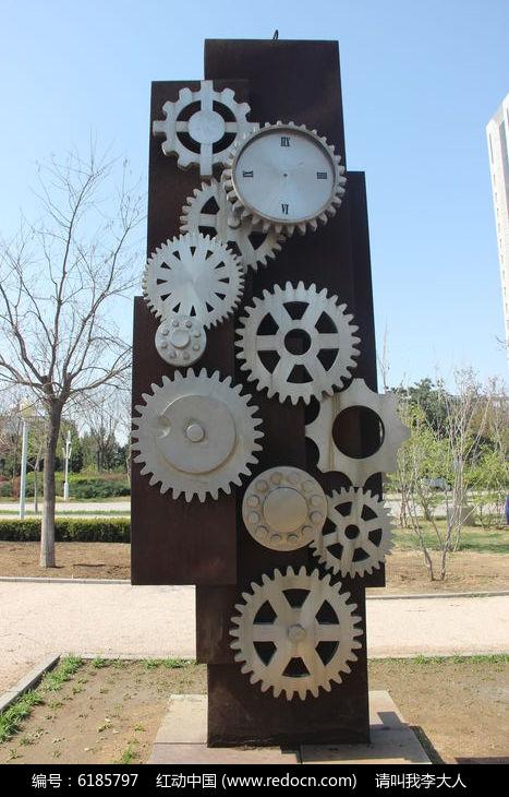 工业齿轮雕塑建筑