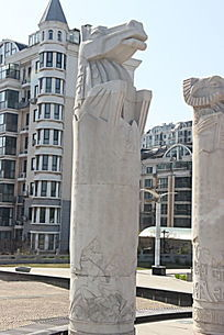 十二生肖之马石柱