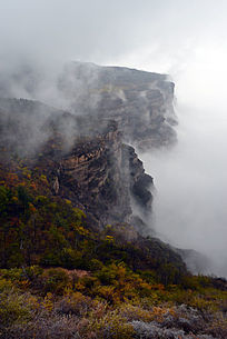 太行山谷云雾起伏美景
