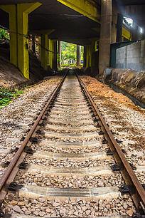 废弃的铁轨