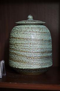 绿釉蛇皮纹盖罐