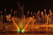 新平民族广场的音乐喷泉