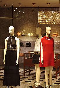 奢侈品店的女装模特
