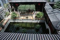 传统中式庭院水池