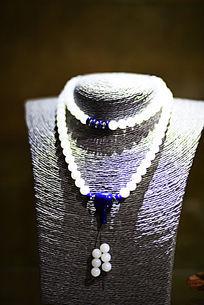 蓝珠坠砗磲项链