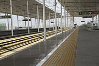 站台高铁列车