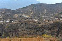 大山里的村庄