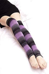 黑紫色渐变长筒袜