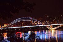 灯火通明的章江大桥