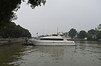 广州珠江上的游轮