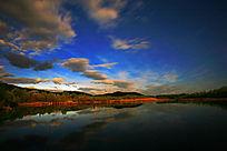 森林湖夜空彩云