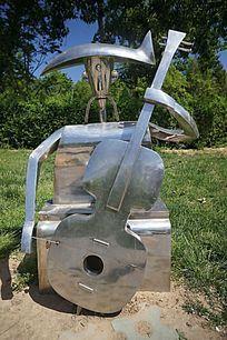 不锈钢拉提琴雕塑