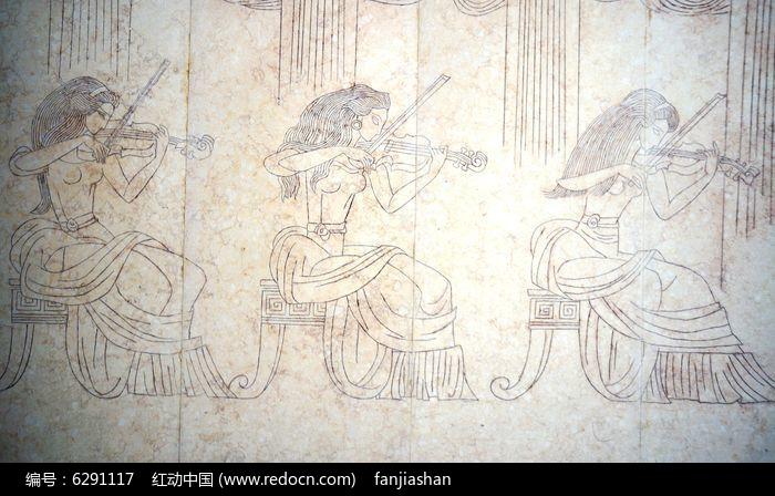 演奏小提琴的女子壁画图片