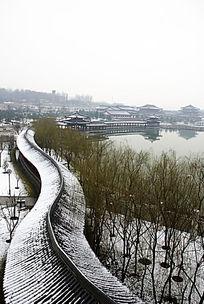 大唐芙蓉园长廊雪景