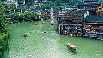 凤凰古城沱江河及古建筑