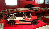 麦其拉斯云梯车模型