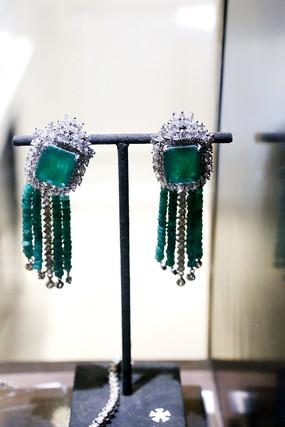 绿宝石吊坠款耳坠