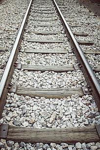 蔓延的铁轨