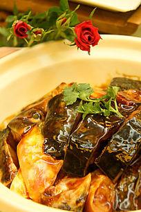 砂锅红烧鱼头