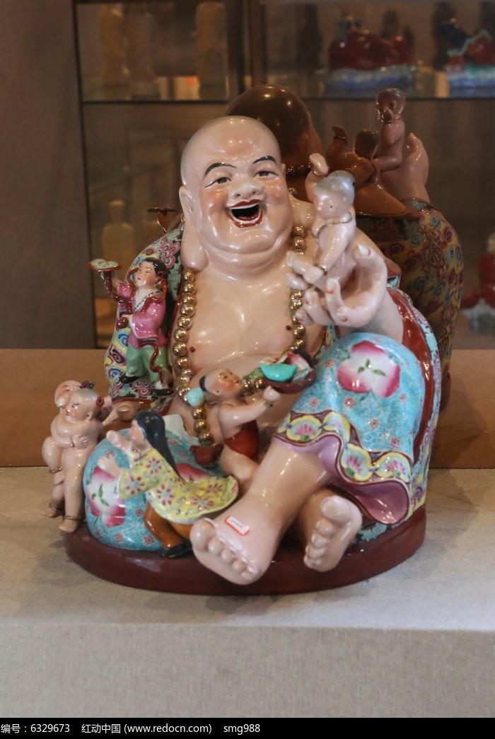 彩色瓷雕长耳弥勒佛雕像
