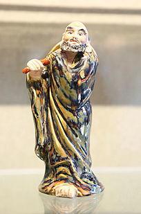 彩色瓷雕长袍站姿和尚雕像