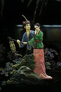 夫妻恩爱共处雕像